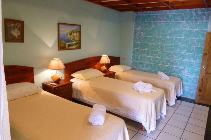 Triple Room - La Peregrina Galapagos