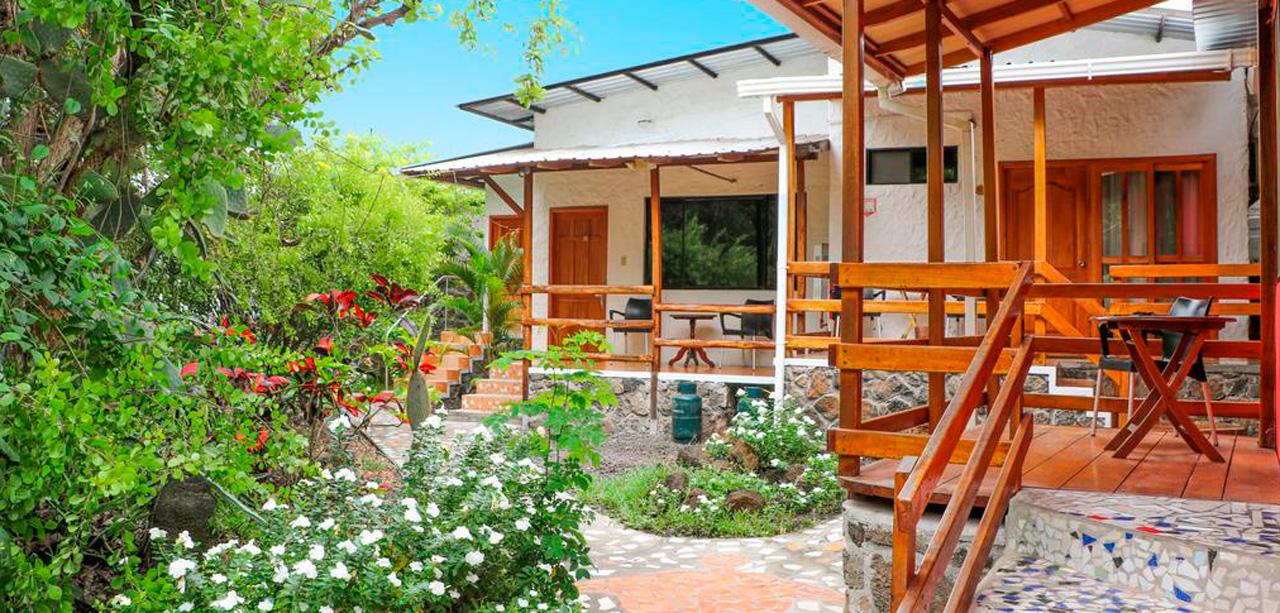 galapagos hotel la peregrina garden view