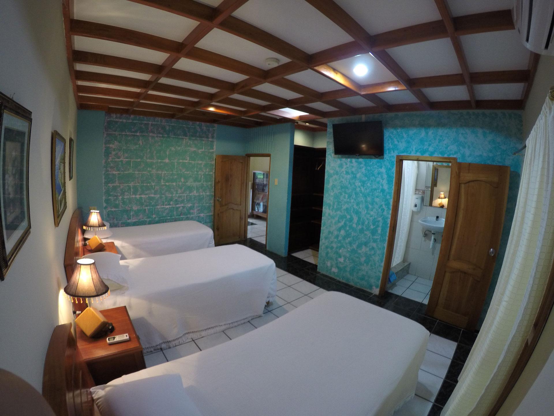 Our Triple Room – Galapagos B&B